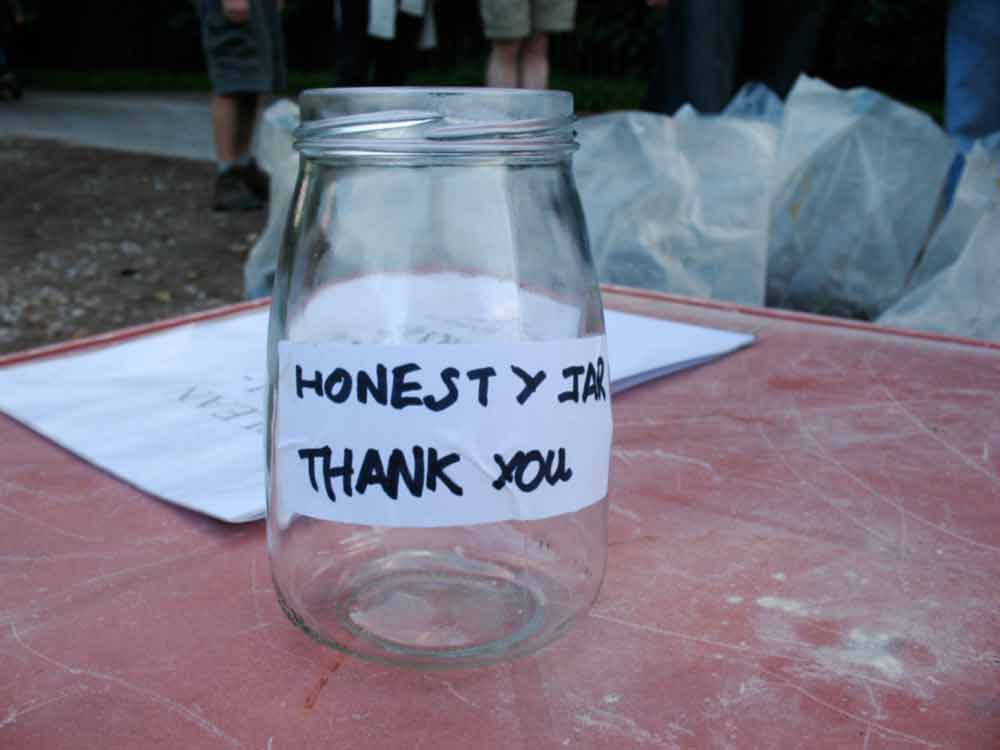 170922-honesty-jar.jpg